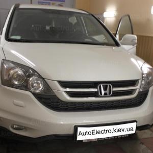 Установка штатной магнитолы и камеры заднего вида на Honda CRV