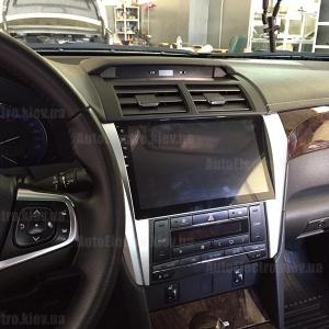 Toyota Camry V55 2015 г.в. - установка штатной магнитолы