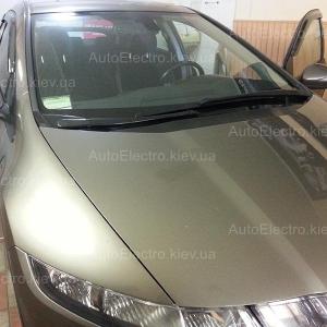 Установка зеркала видеорегистратора и камеры заднего вида на Honda Civic 5D 2008 г.в.