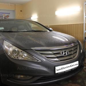 Hyundai Sonata установка штатной магнитолы Phantom и камеры заднего вида