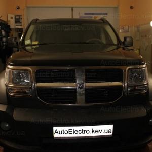 Установка штатной магнитолы и камеры заднего вида на Dodge Nitro