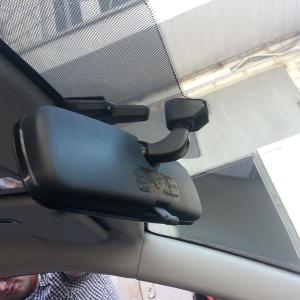 Установка зеркала с регистратором на Mazda 3