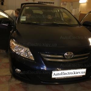 Toyota Corolla установка штатной магнитолы PMS и камеры заднего вида